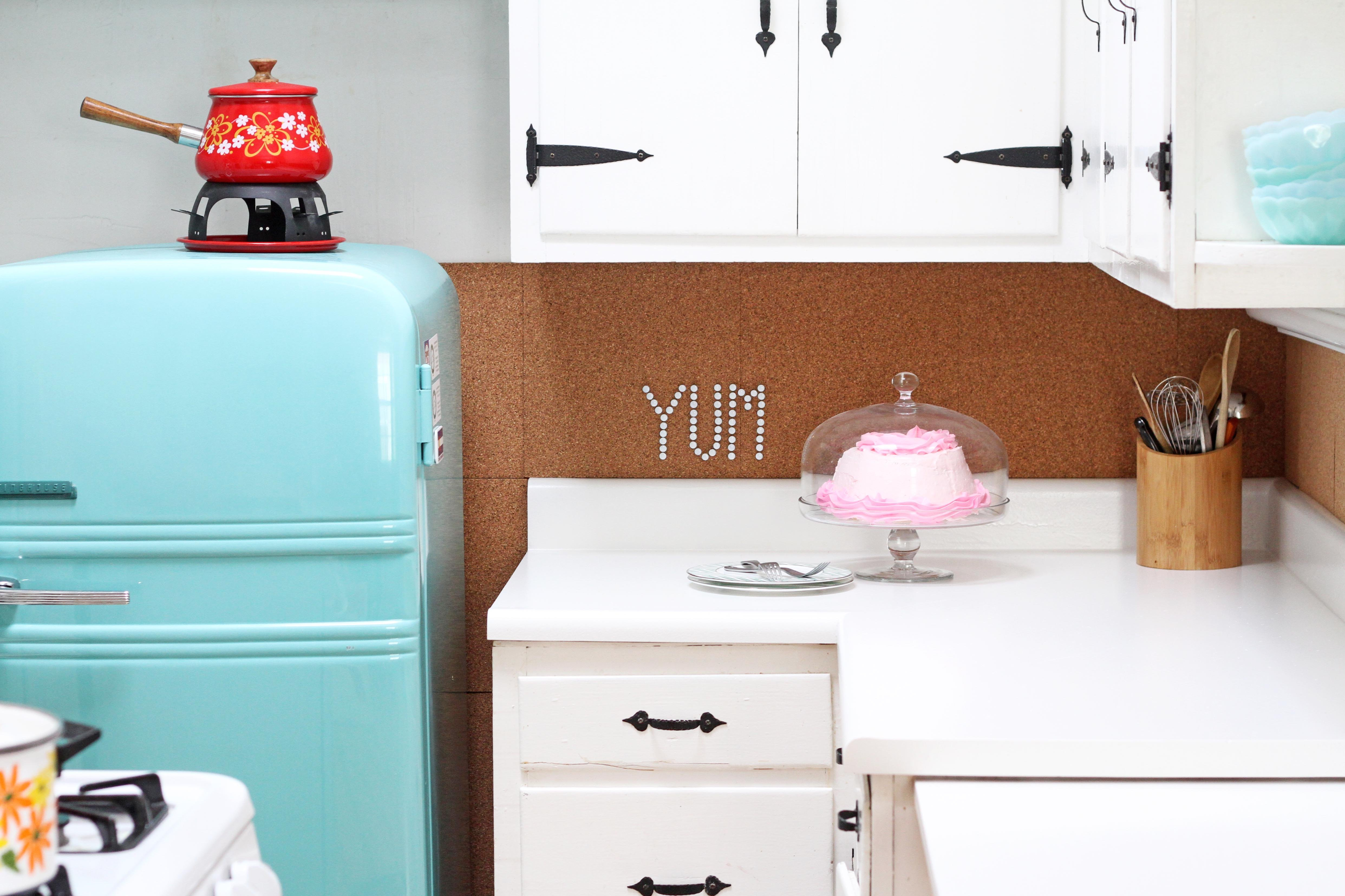 Tutorial: How to Paint Laminate Countertops with a Kit | Apartment