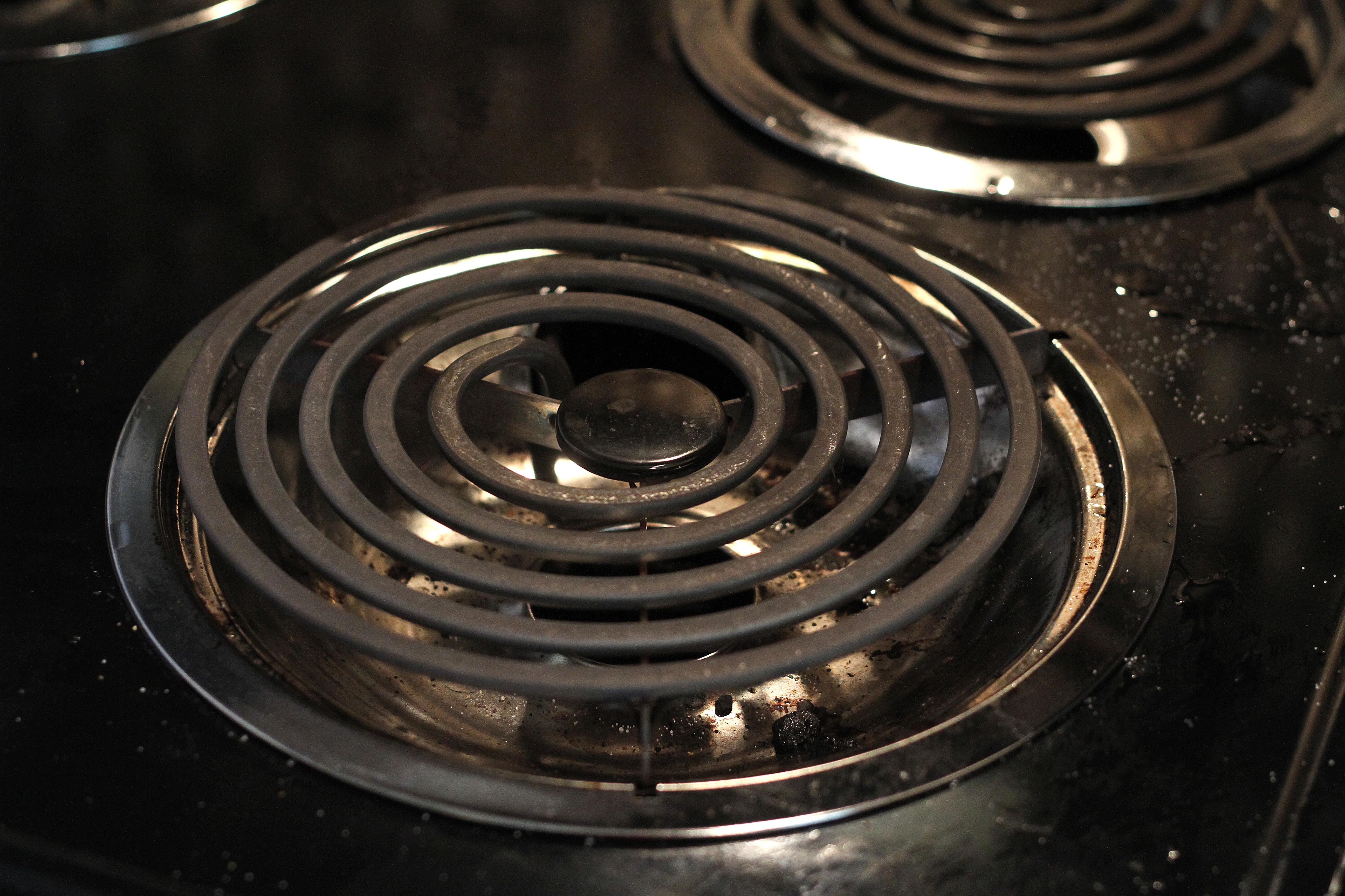 How To Clean Electric Stove Burners | Apartment Therapy