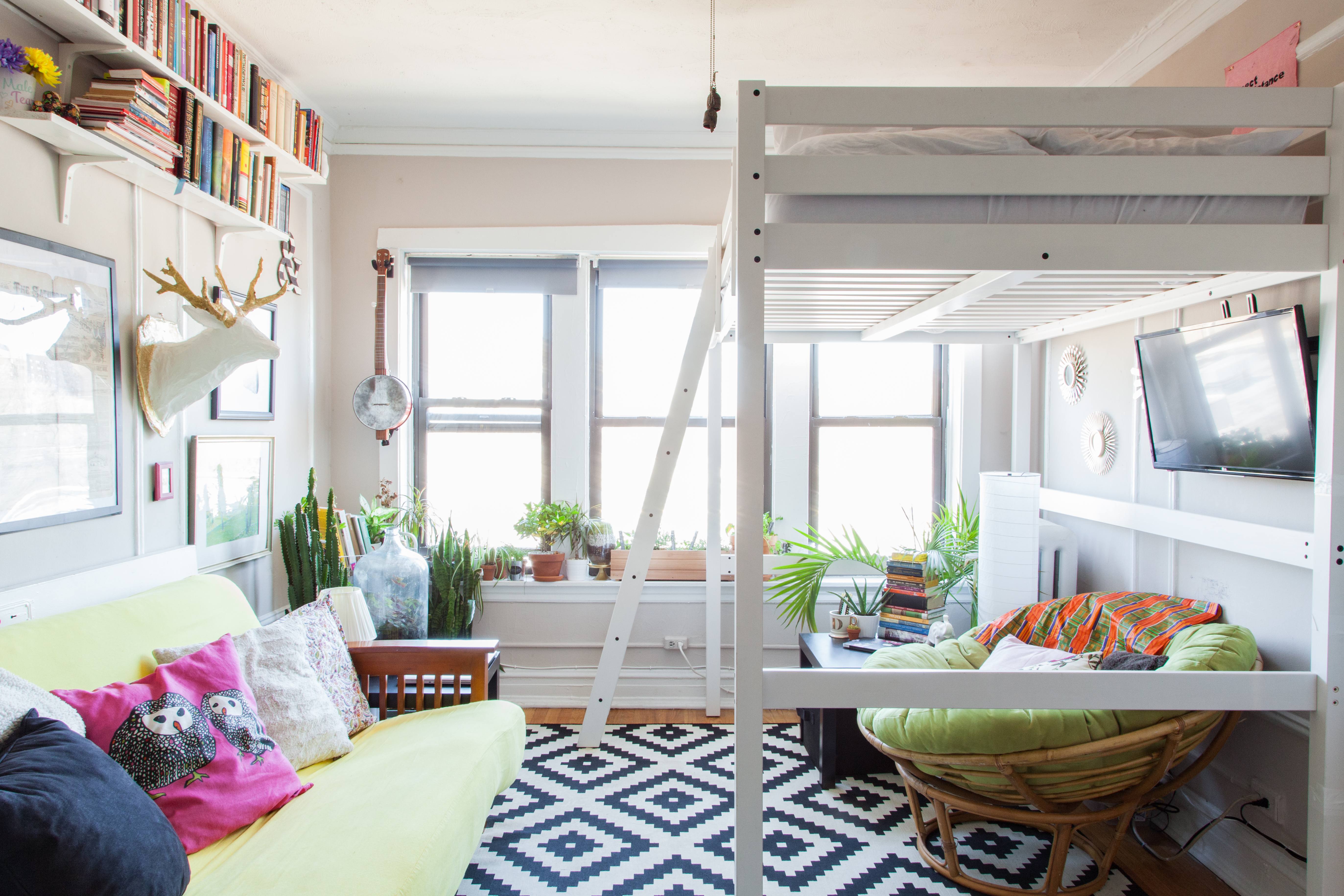 A Small Shared Space, an Inspiring Artist's Studio and More