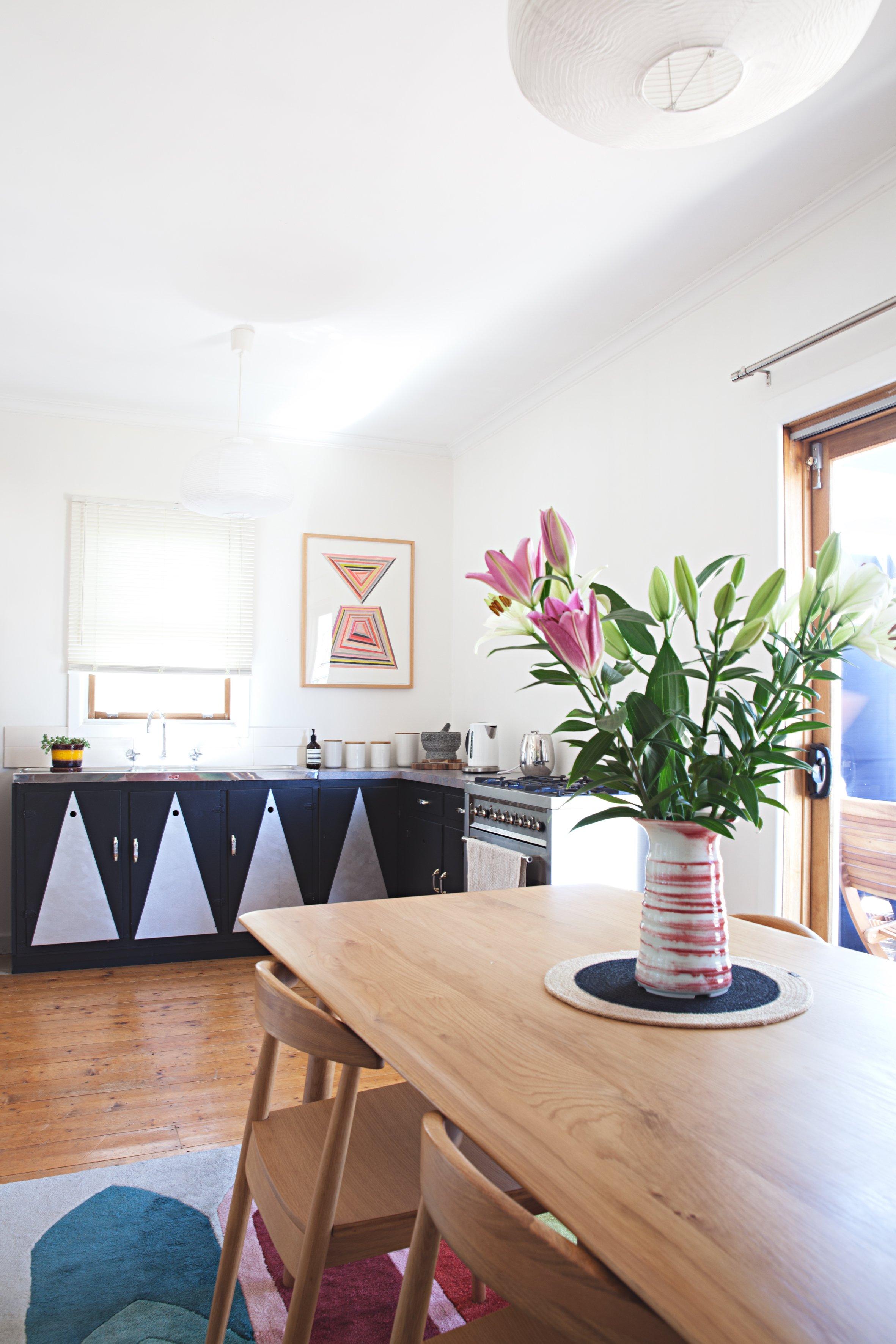 House Tour: A Gorgeous, Graphic Australian Home   Apartment ... on