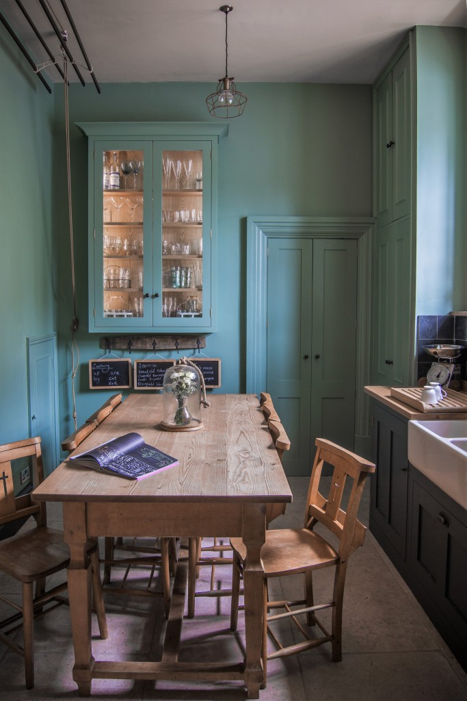 5 Ideas To Steal From A Small But Efficient Family Kitchen