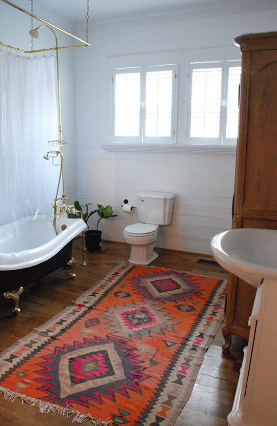 Easy Reversible Design Ideas For Rental Bathrooms