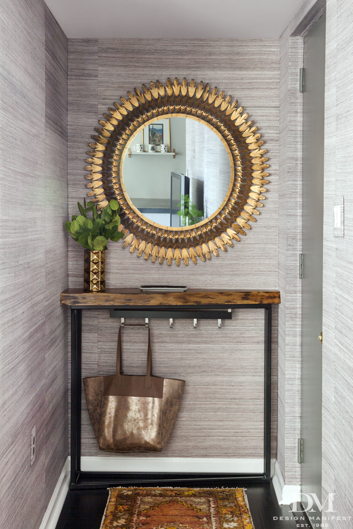 Foyer Organization Tips + Ideas for Small Spaces | Apartment ...