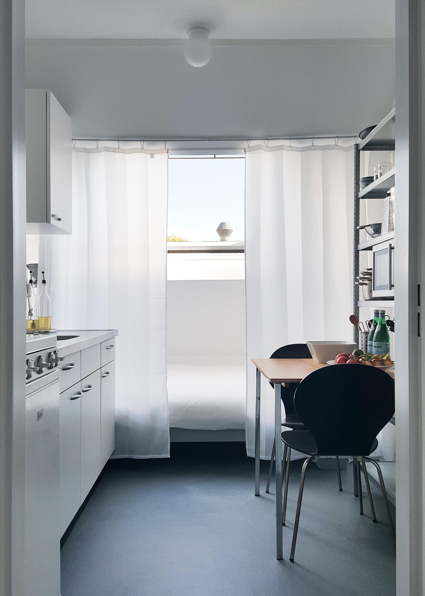 House Tour: A Modern, Minimal Amsterdam Studio | Apartment ...