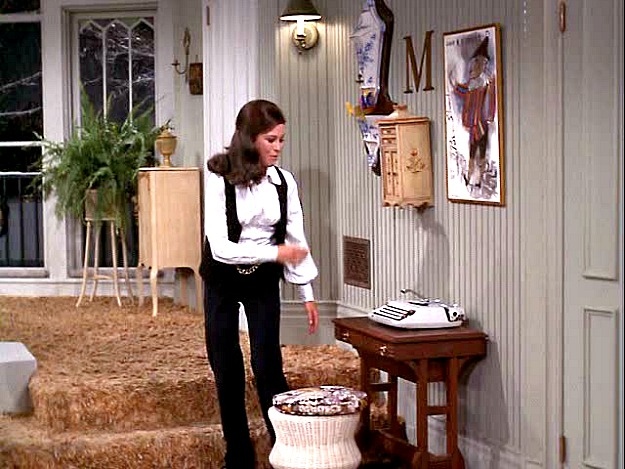 The Mary Tyler Moore Show Apartment Was Epitome Of Single Cool Therapy