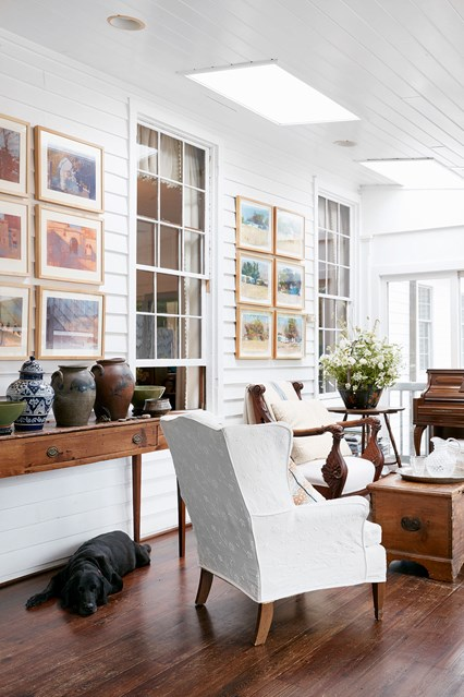 Are White Walls The Ultimate Decorating Secret Weapon Apartment Therapy
