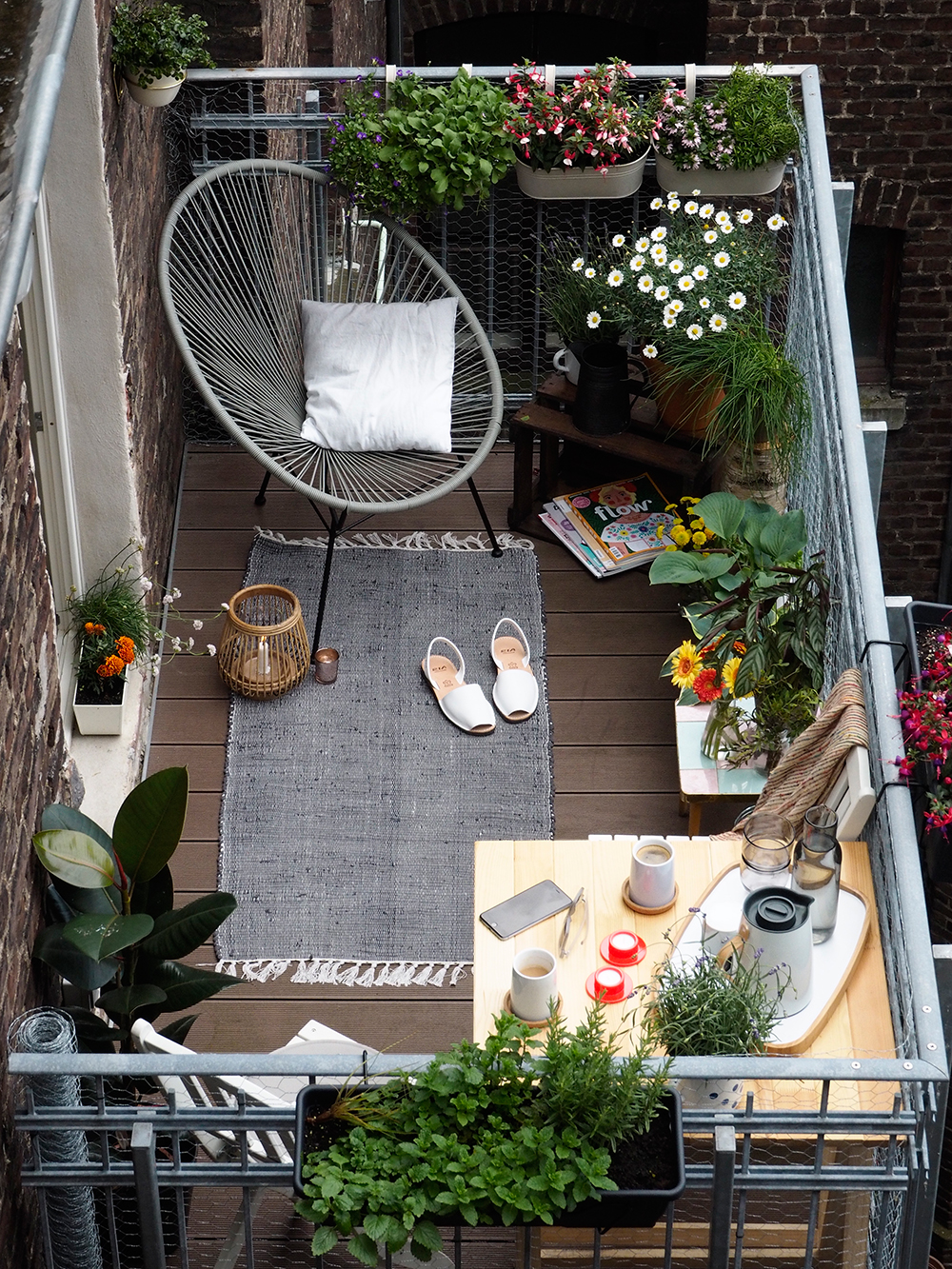 The Great Outdoors Small Space Style 10 Beautiful Tiny Balconies