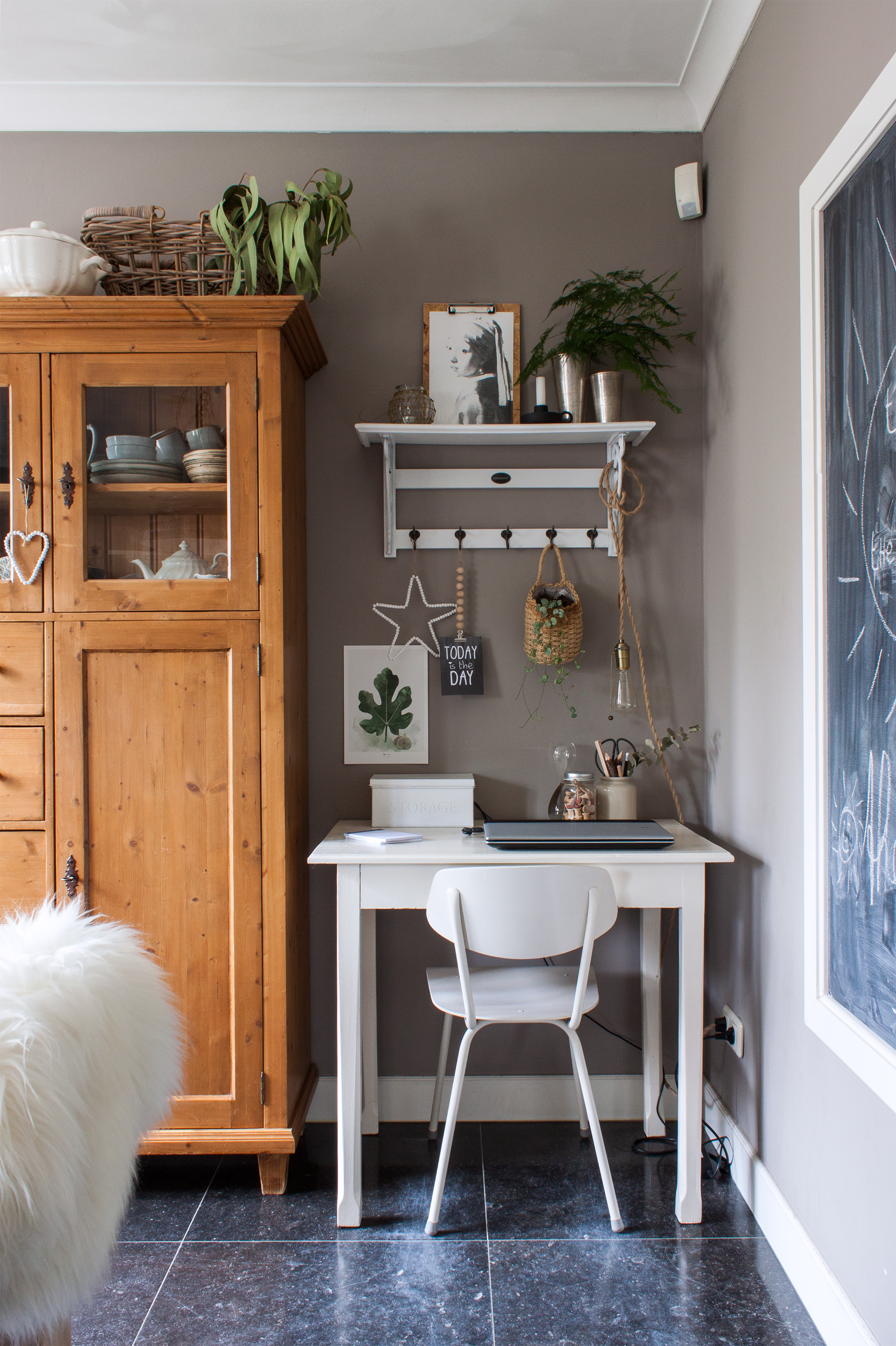 House Tour: A Modern Dutch Home with a Cozy Country Feel | Apartment