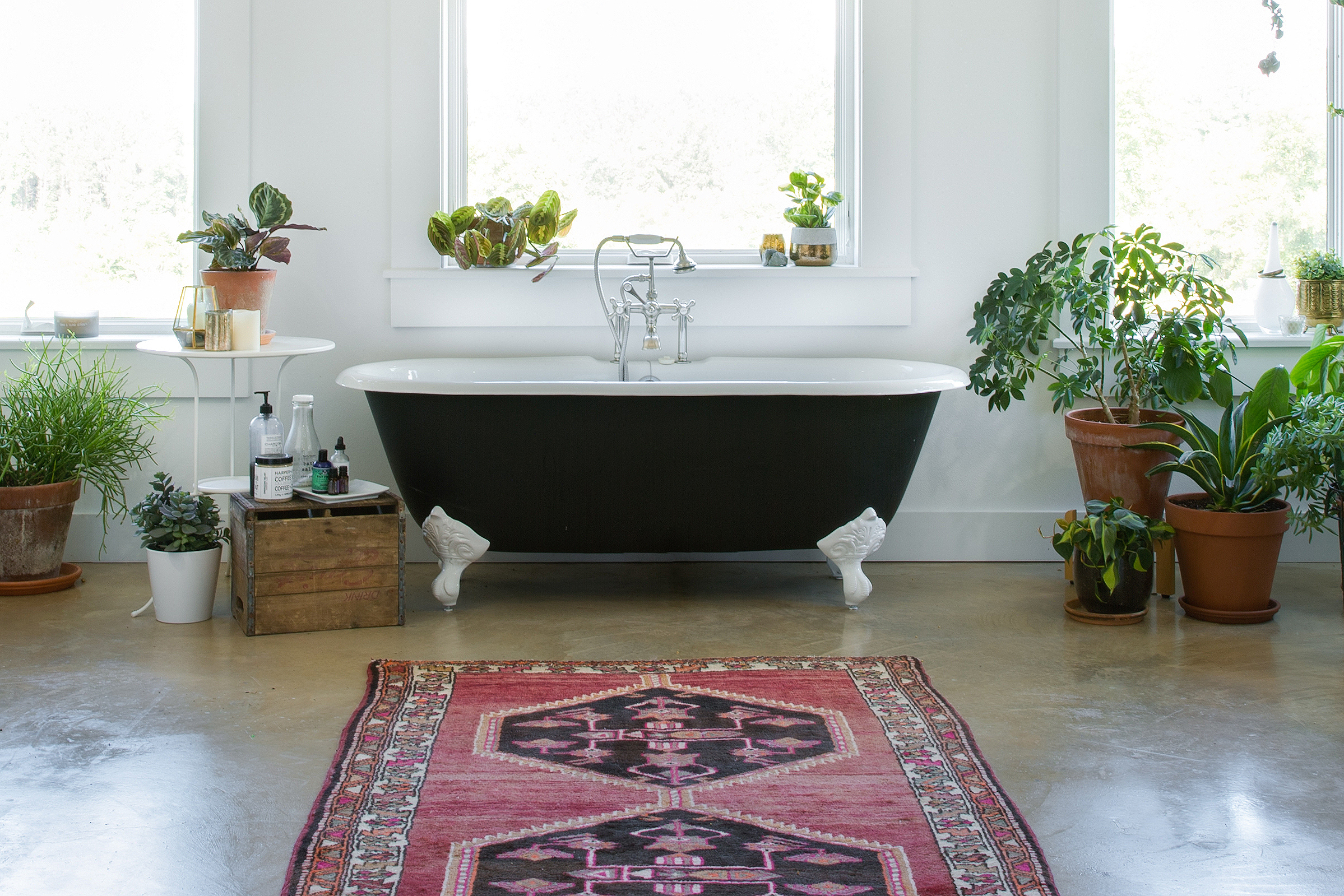 Amazing The Weird Yet Best Way To Clean A Bathtub Apartment Therapy Home Interior And Landscaping Spoatsignezvosmurscom