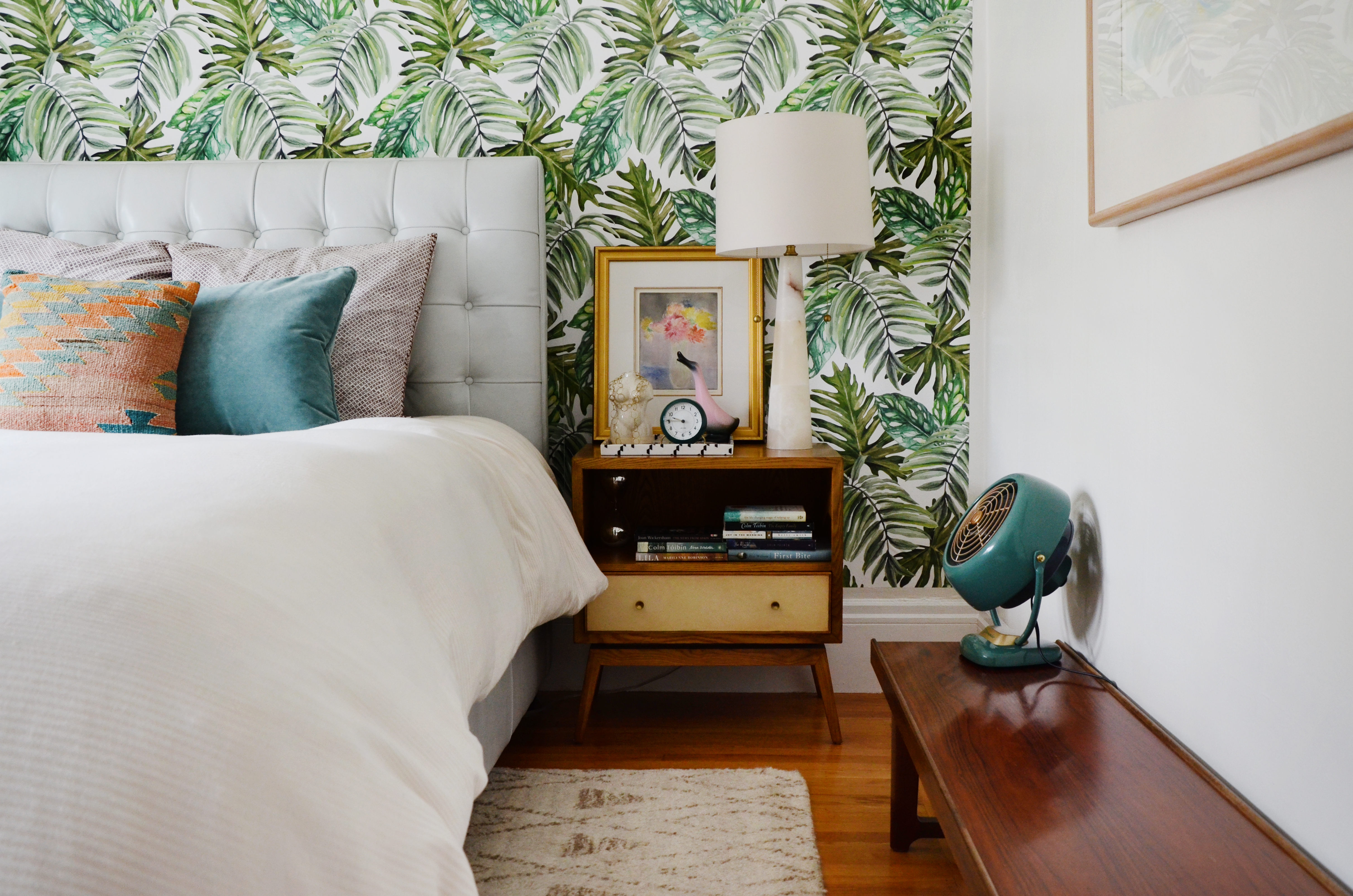 Best Removable Wallpaper Resources For Renters Apartment