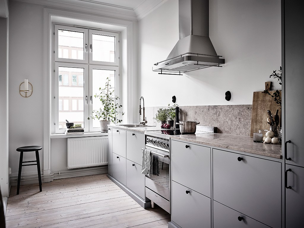 Fine Kitchens Without Upper Cabinets Should You Go Without Theyellowbook Wood Chair Design Ideas Theyellowbookinfo