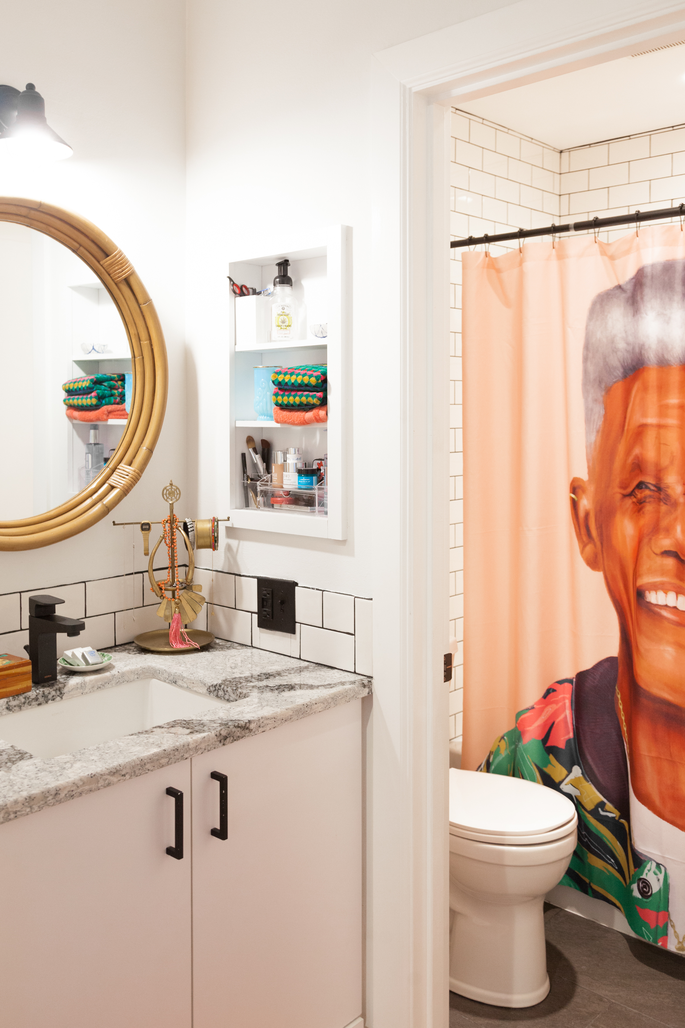 Why Shower Curtains Are So Much Better Than Doors