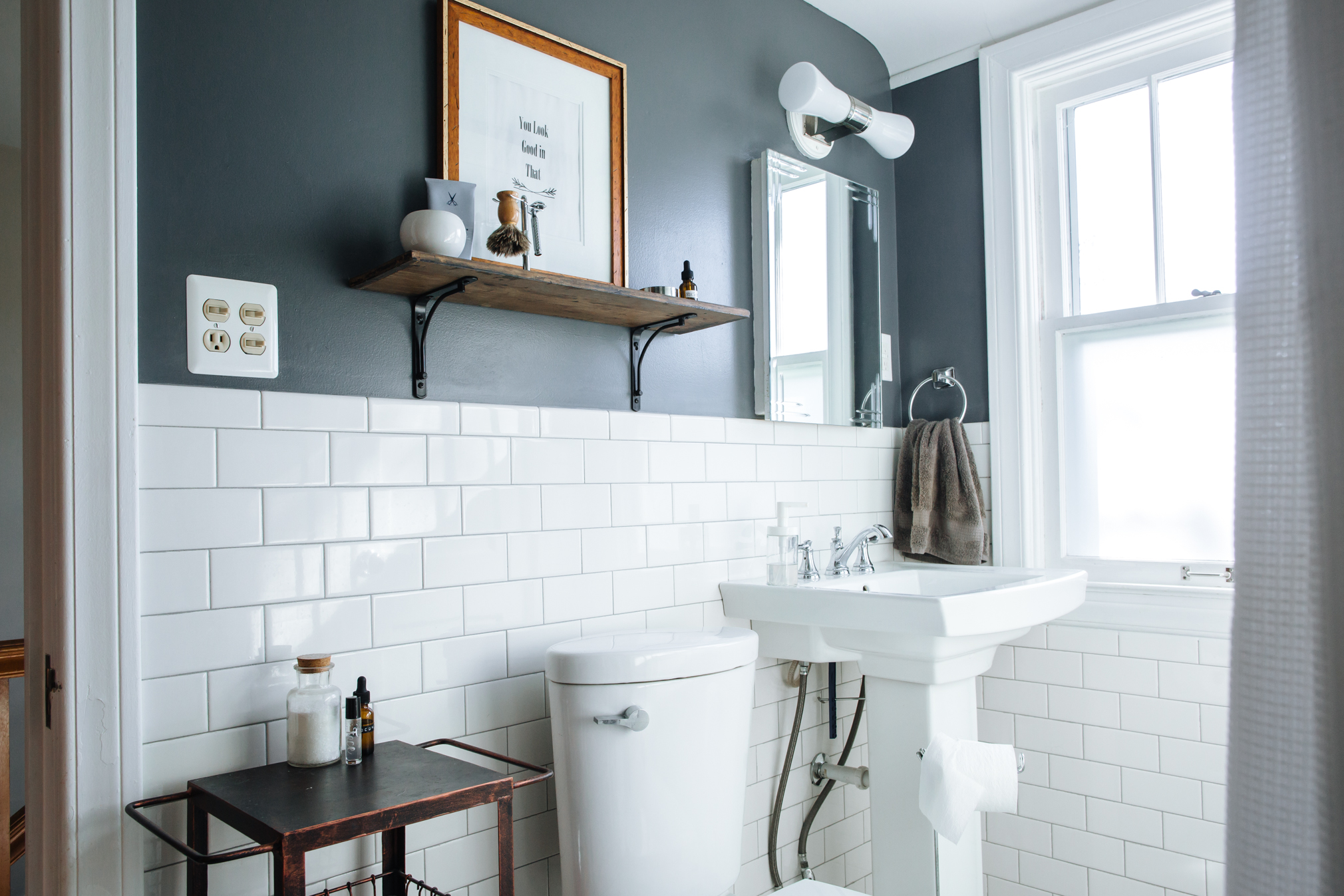 Best Paint Colors for Small Bathrooms | Apartment Therapy