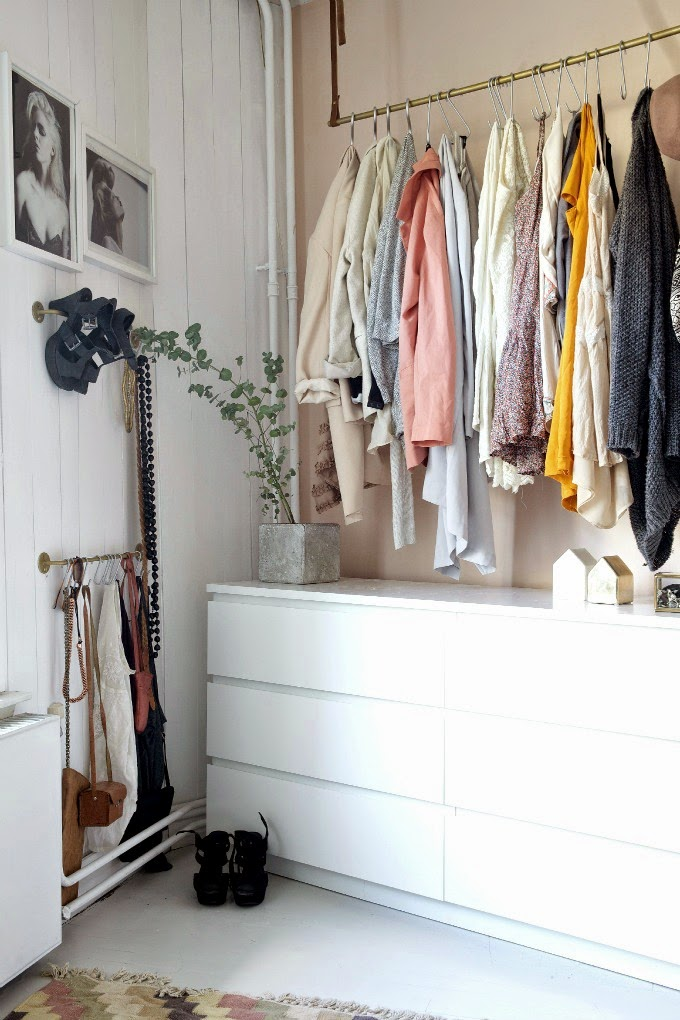 Smart And Cheap Ways To Store More In Your Bedroom Apartment Therapy