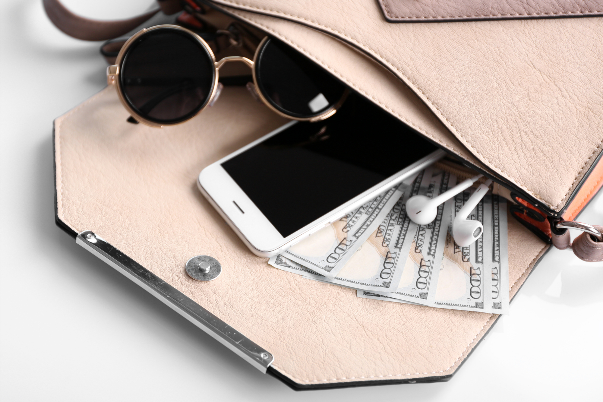 8 Instagram Accounts That'll Help You Save (Not Spend!) Money