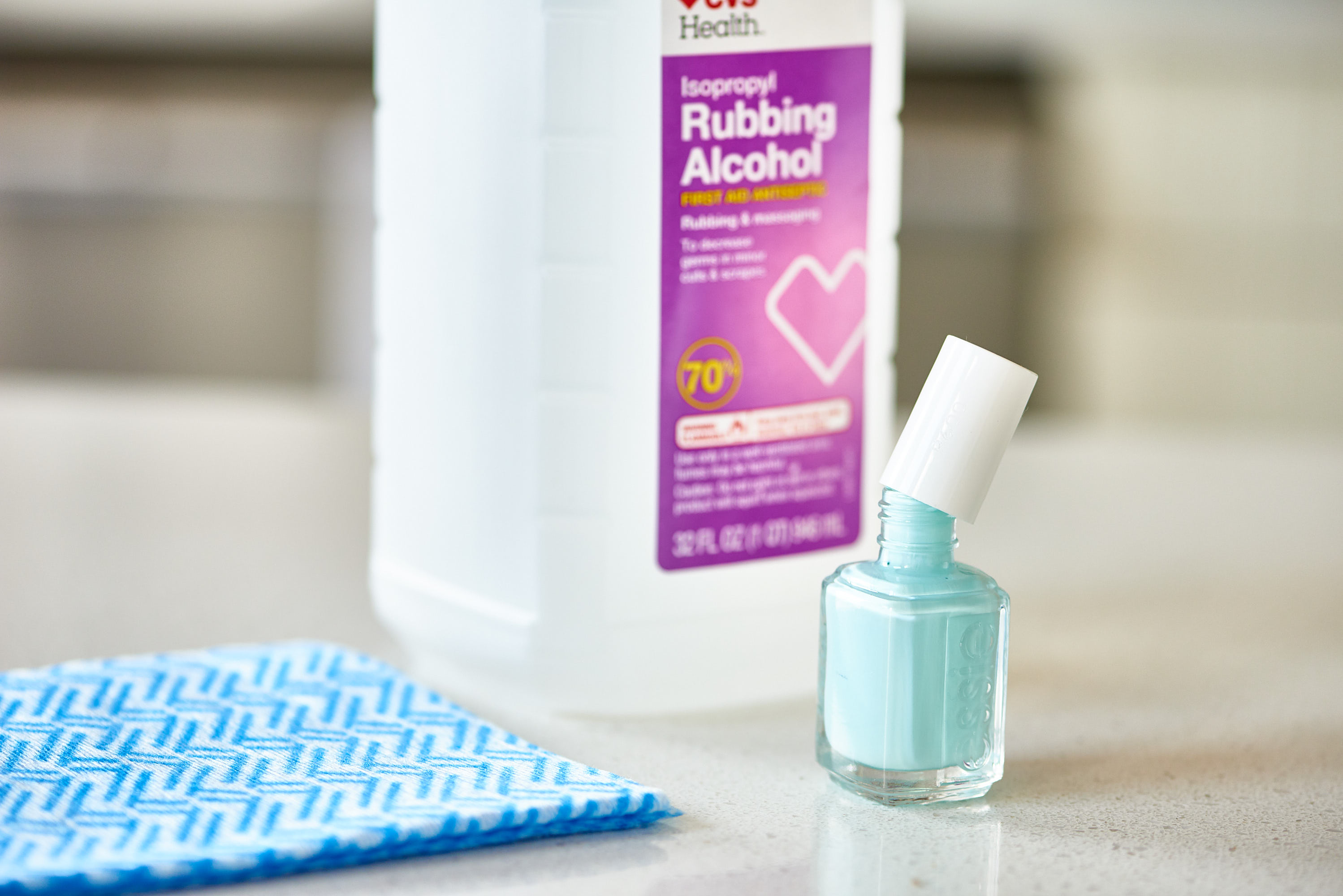 Rubbing Alcohol Uses and Safety Mistakes | Apartment Therapy