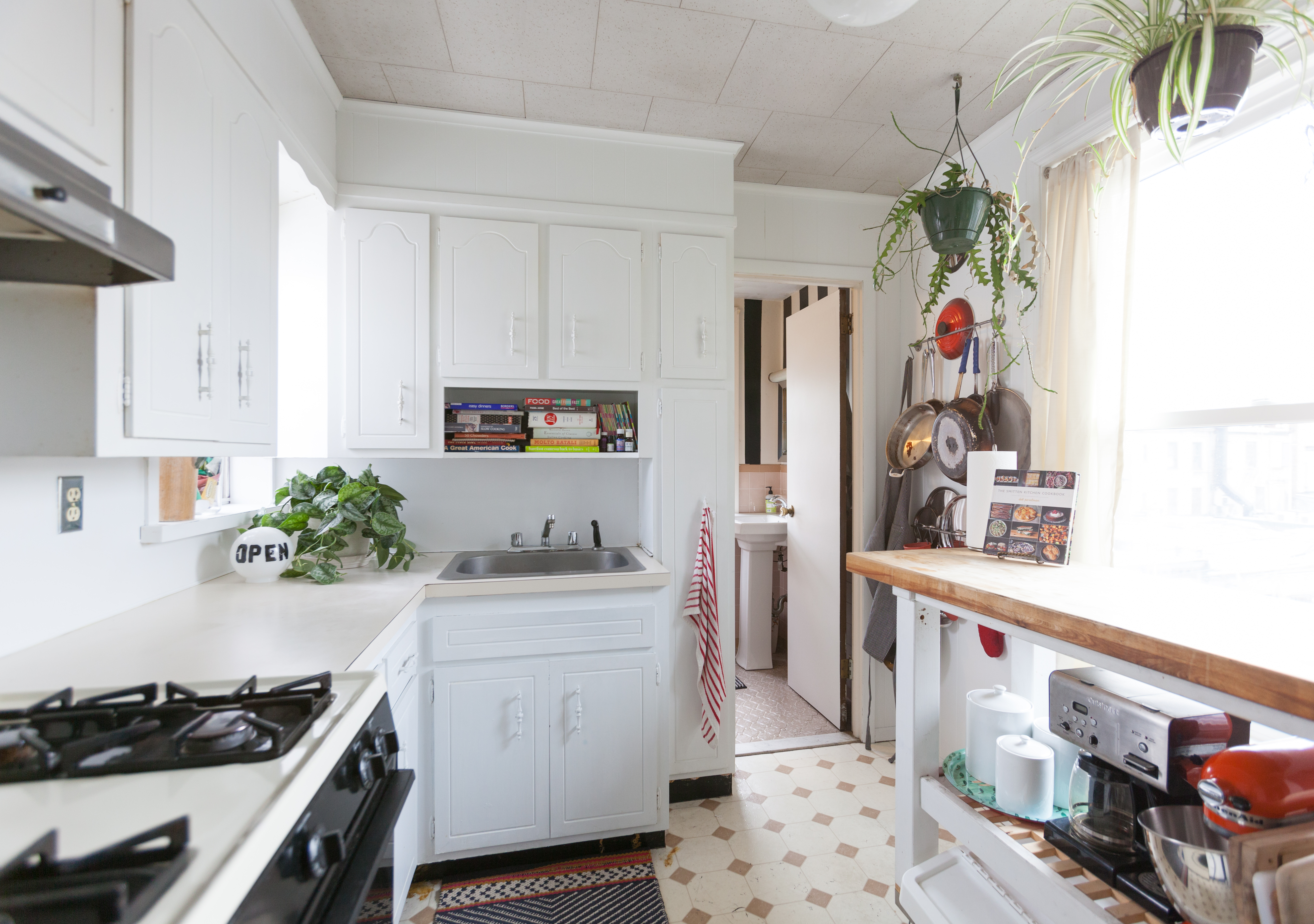 Kitchen Cabinets Contact Paper Cockroach Problem | Apartment ...
