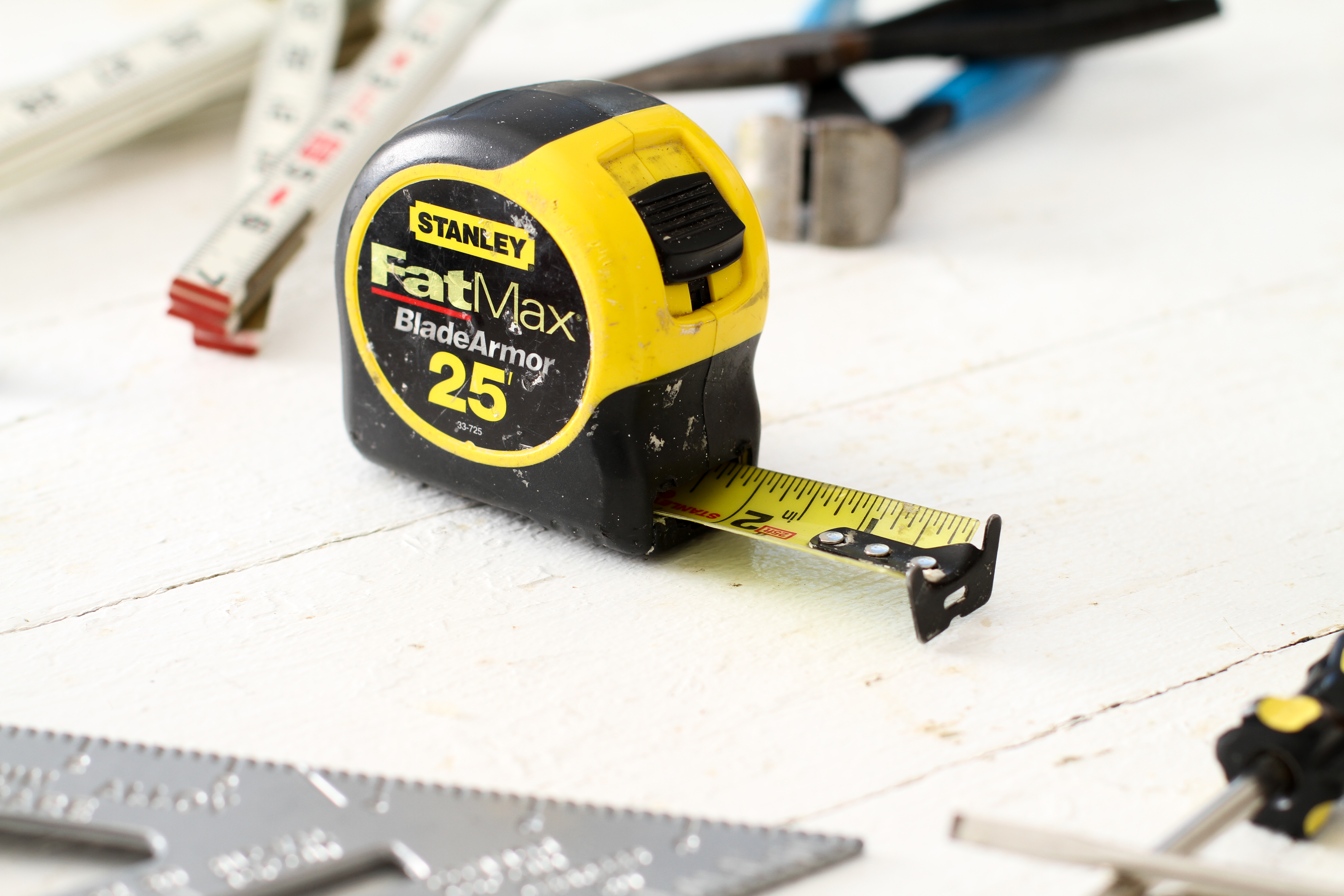 Best tape measure in the world 240 volt battery pack
