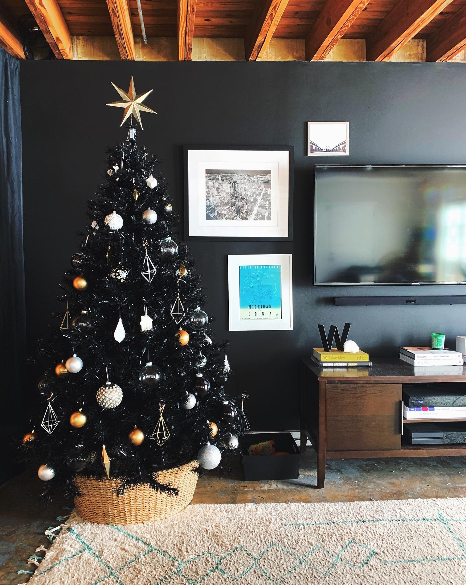 Treetopia Tuxedo Black Christmas Tree Review Apartment Therapy