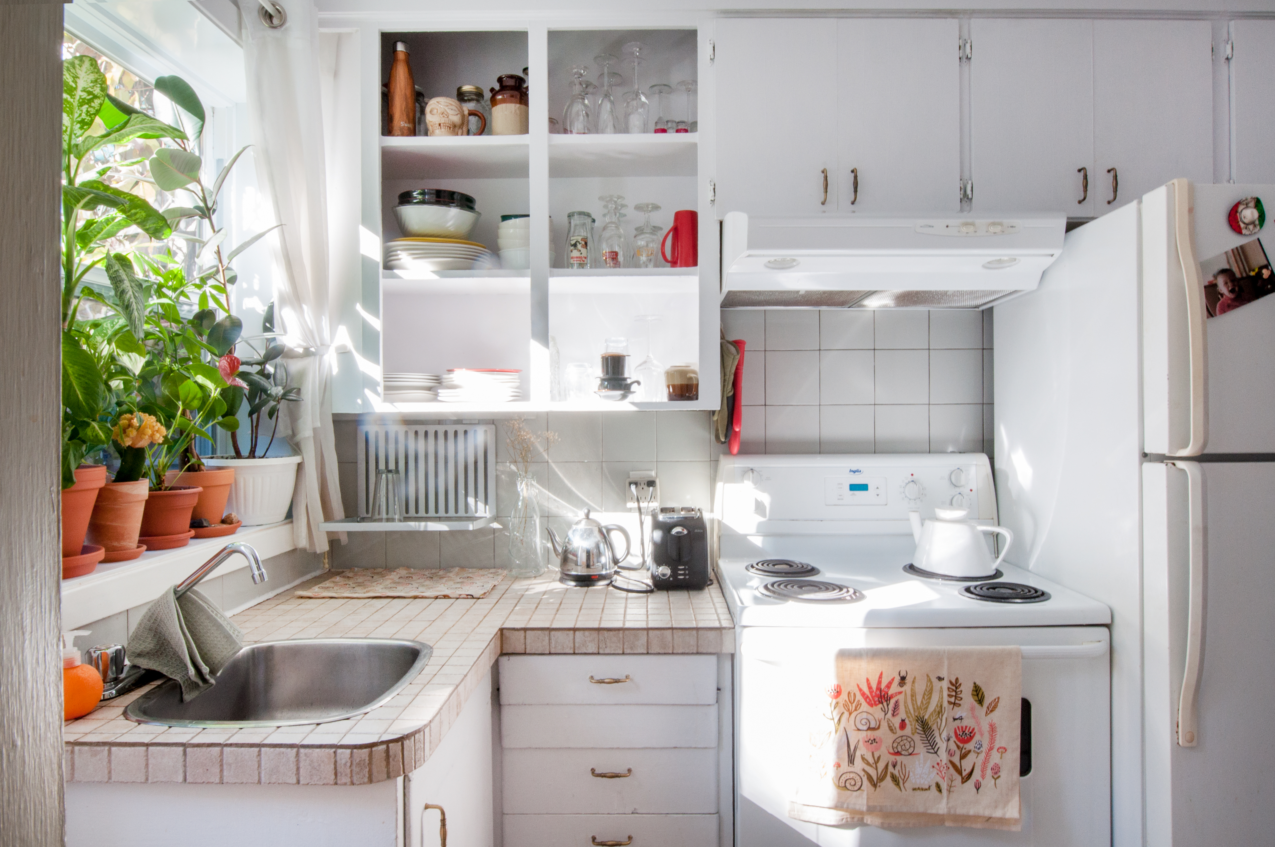 5 Kitchen Organizing Ideas To Steal From Savvy Dollar Store Shoppers