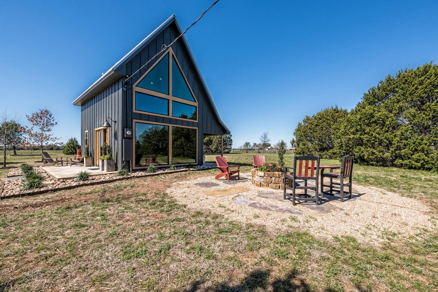 Fixer Upper Waco Cabin Rental Photos Apartment Therapy