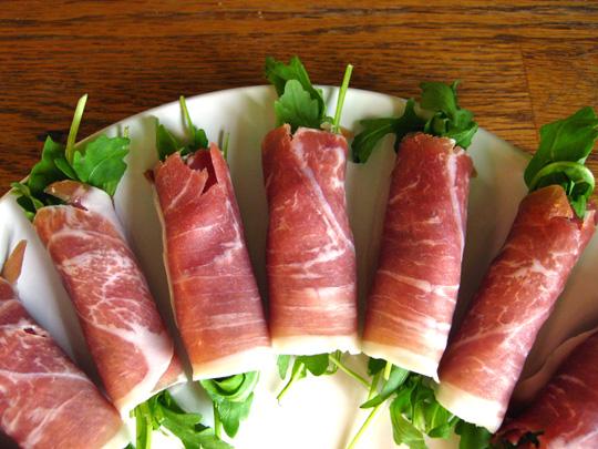 Last-Minute Appetizer: Prosciutto-Wrapped Arugula | Kitchn