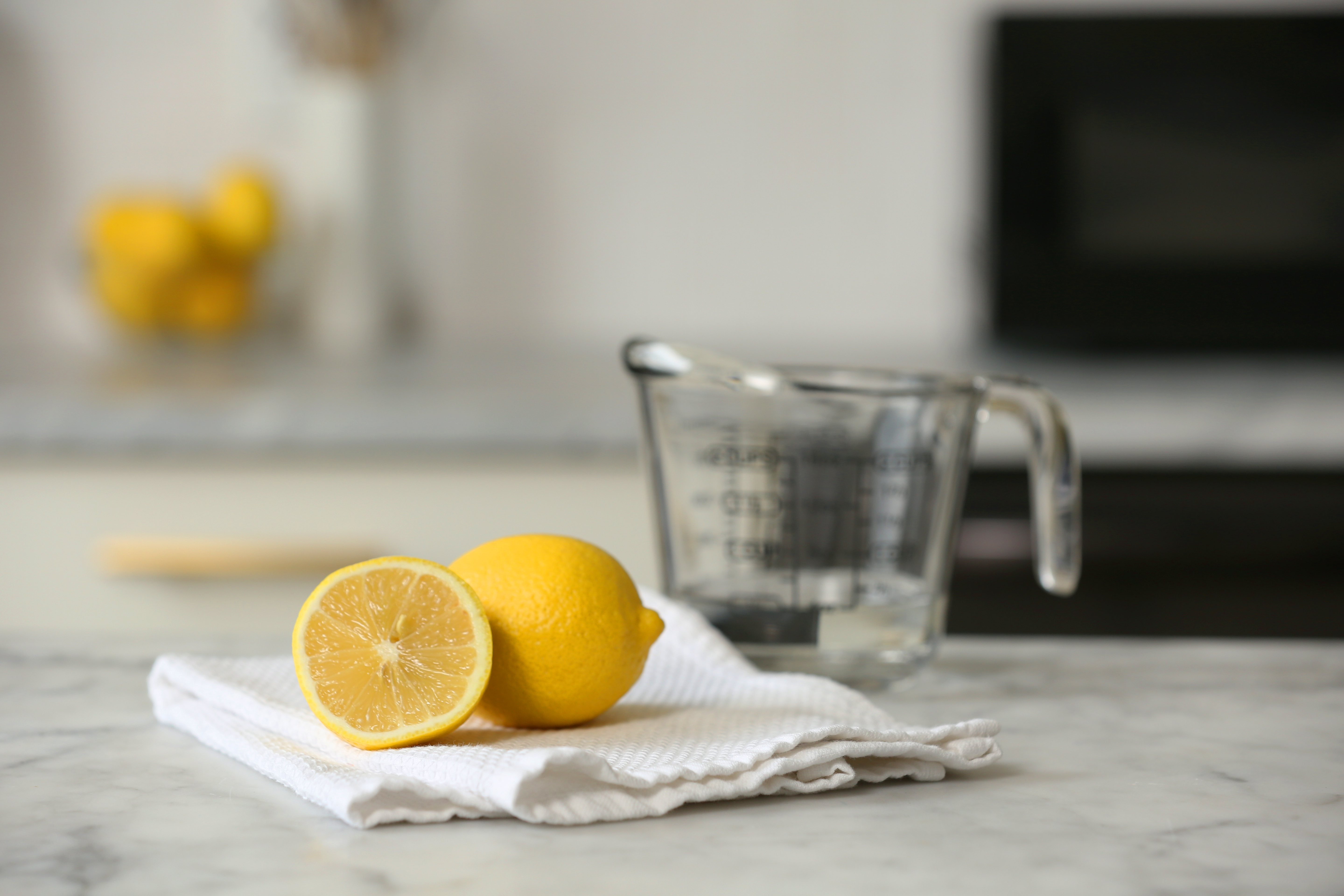 How To Clean Microwave Naturally Lemon Kitchn