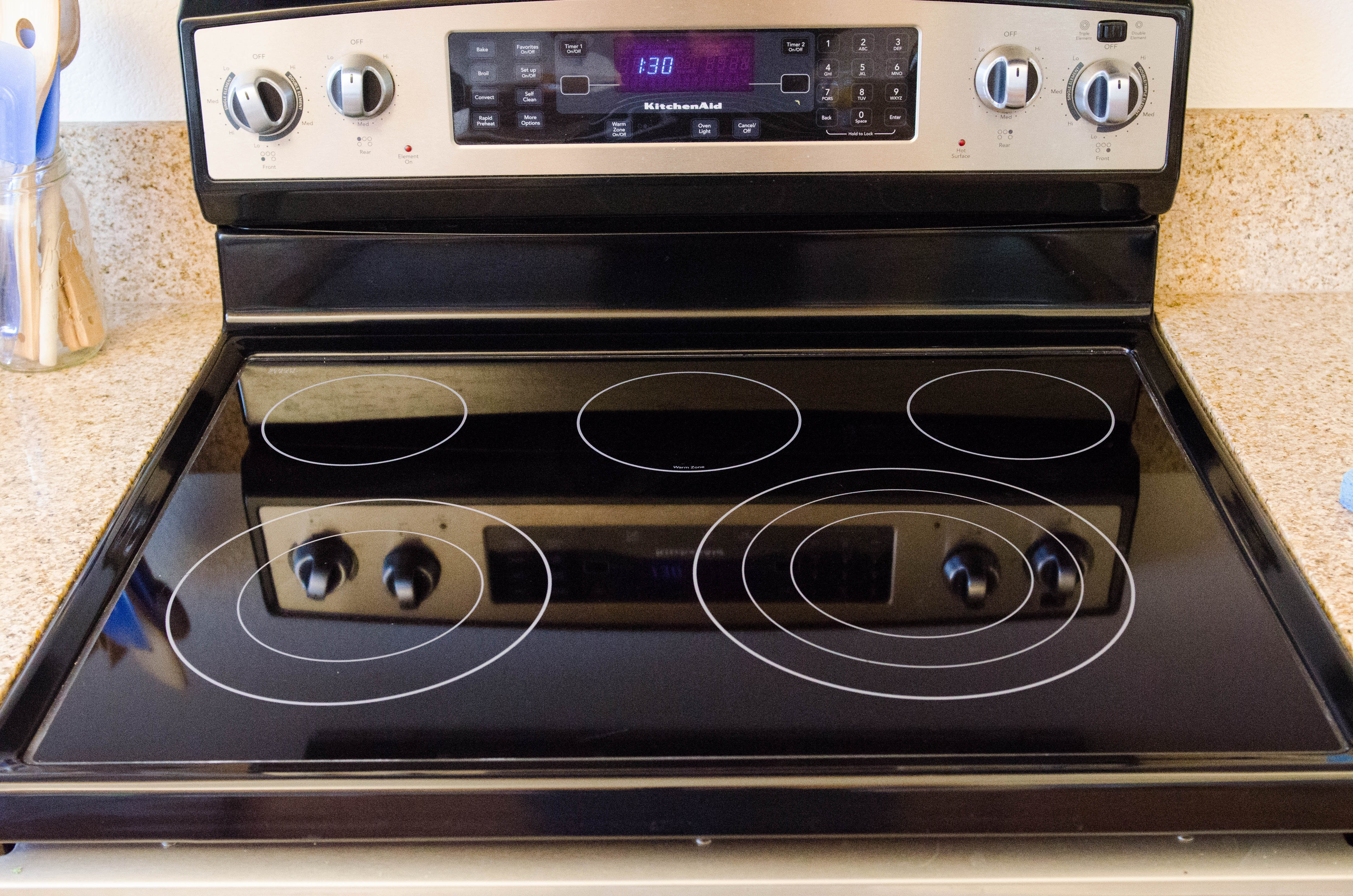 WHAT CAN I USE TO CLEAN MY ELECTRIC STOVE TOP