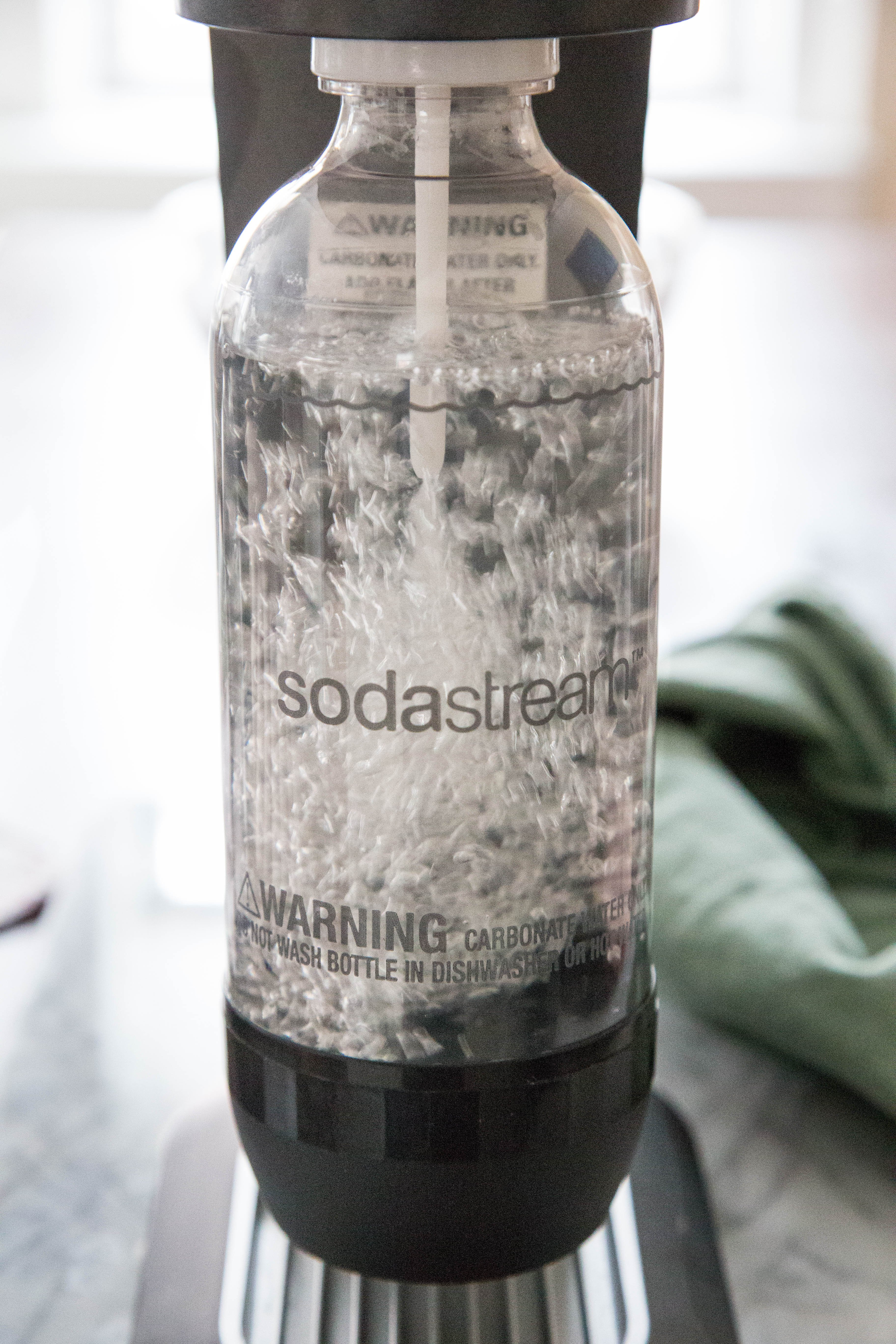 Does Cold Water Really Make Fizzier Seltzer? | Kitchn