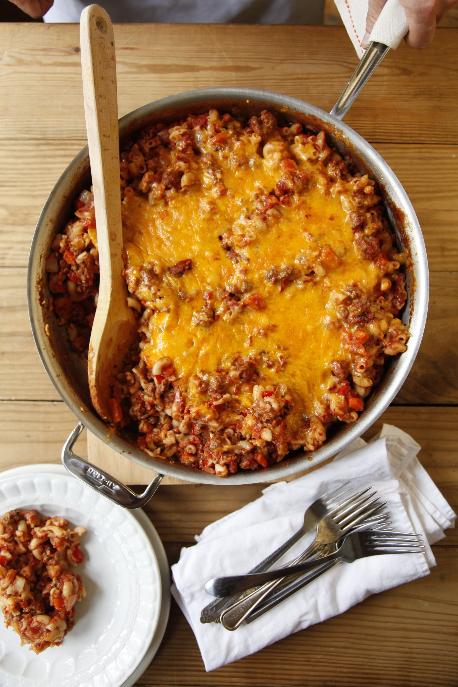 Recipe: One-Skillet Cheesy Beef and Macaroni | Kitchn