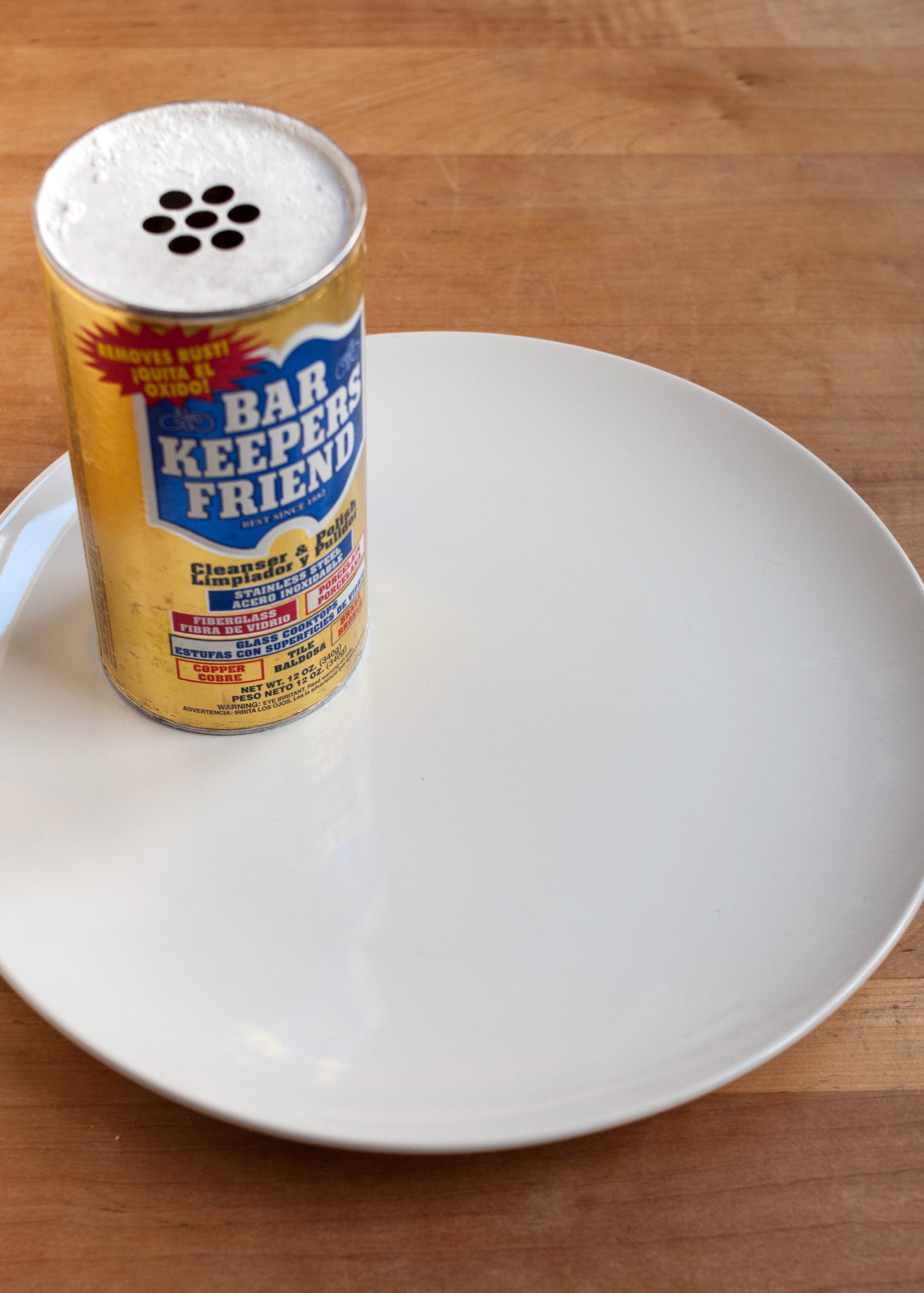 The Best Way to Remove Scuff Marks from White Dishes | Kitchn