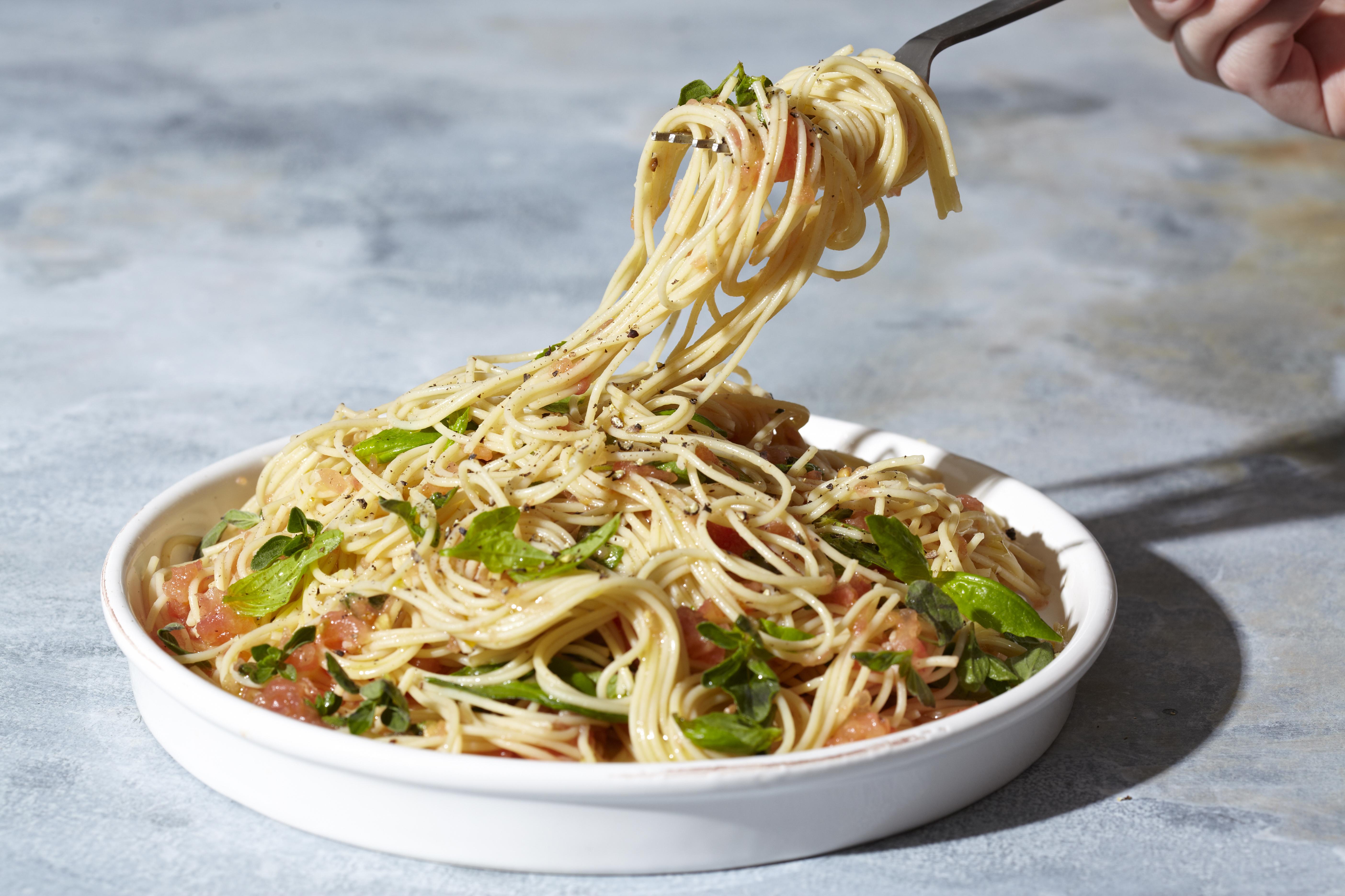 Recipe: 10-Minute Garlicky Tomato Spaghetti   Kitchn