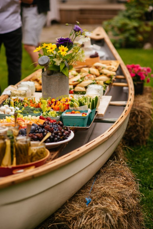 Superb A Beautiful Buffet For 80 Thanks To A Canoe Kitchn Home Interior And Landscaping Ymoonbapapsignezvosmurscom