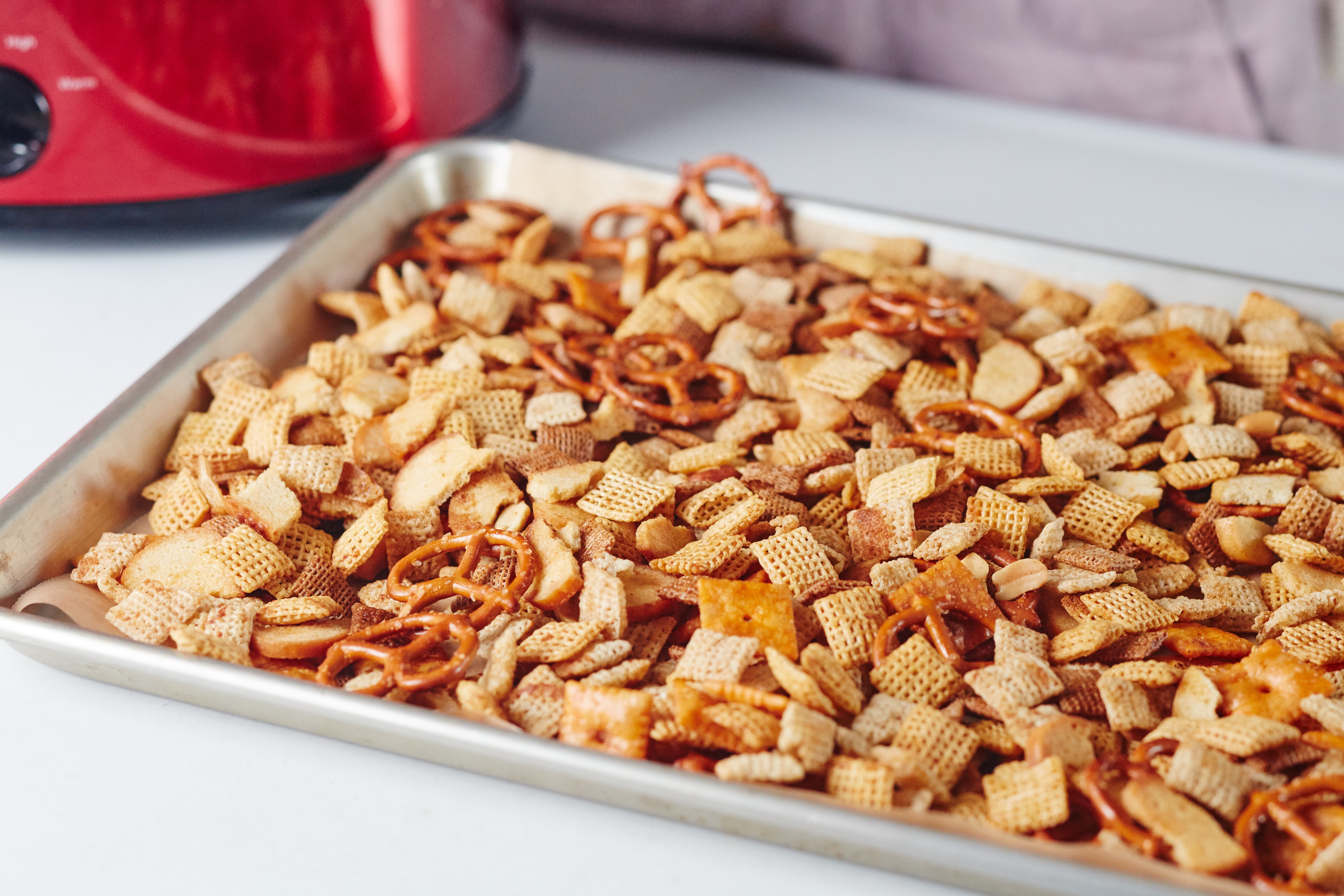 How To Make Slow-Cooker Chex Party Mix