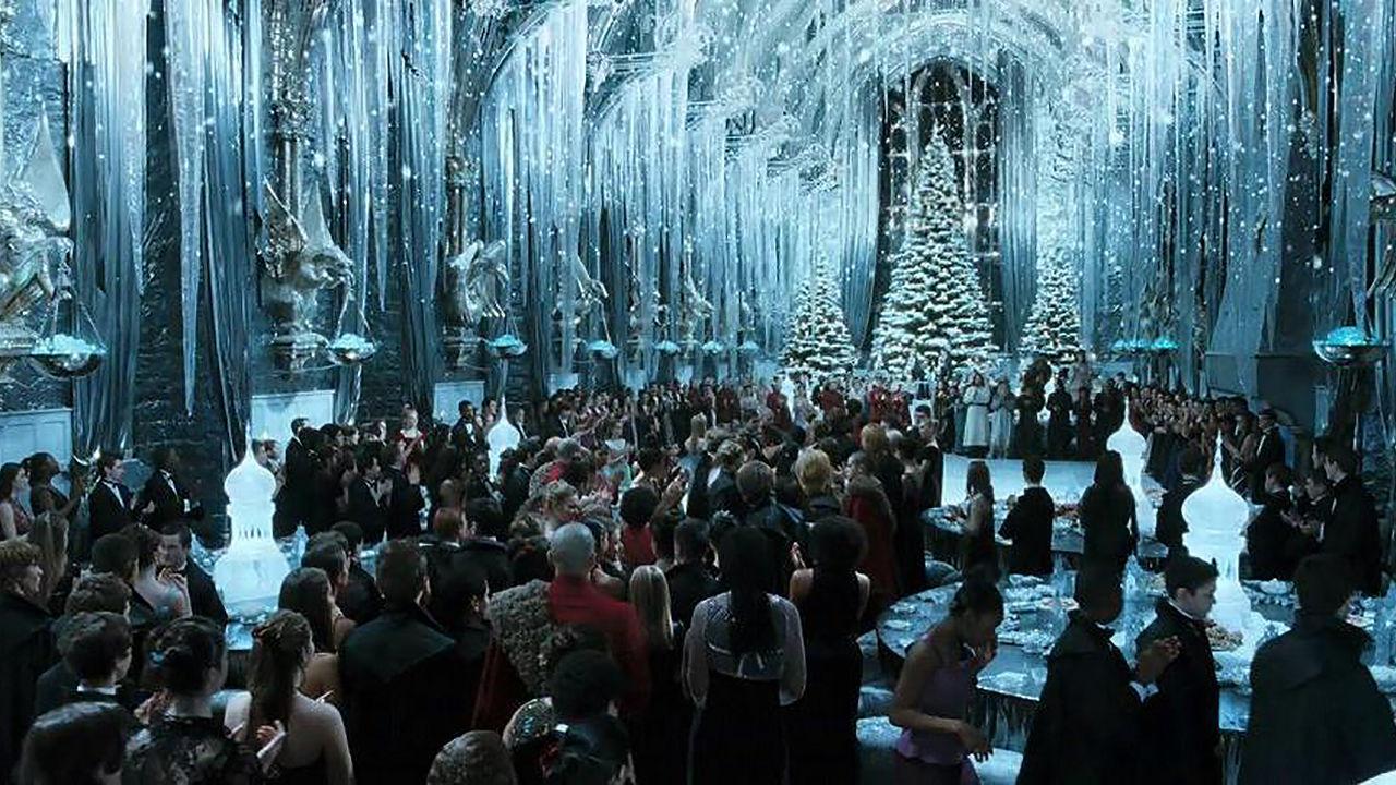 Harry Potter Christmas Wallpaper Hd.Harry Potter Fans Can Eat Christmas Dinner At Hogwarts Kitchn