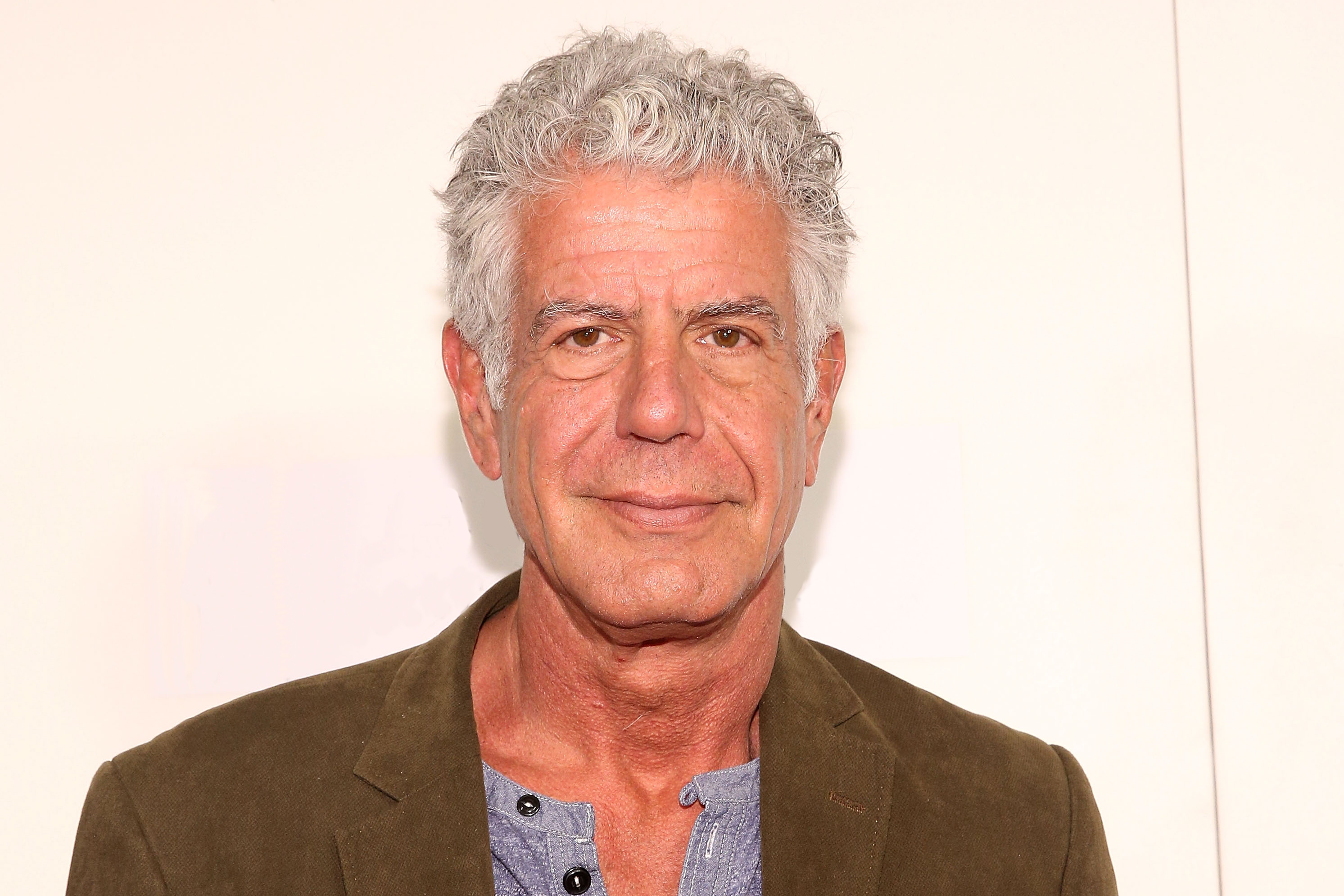 Read This Fanfic About Anthony Bourdain in Narnia | Kitchn