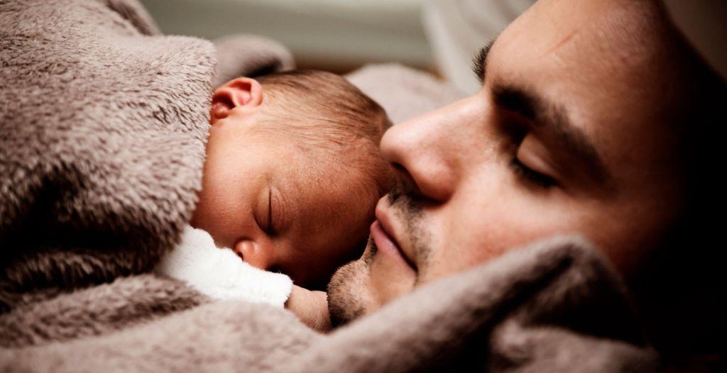 Isä ja vauva