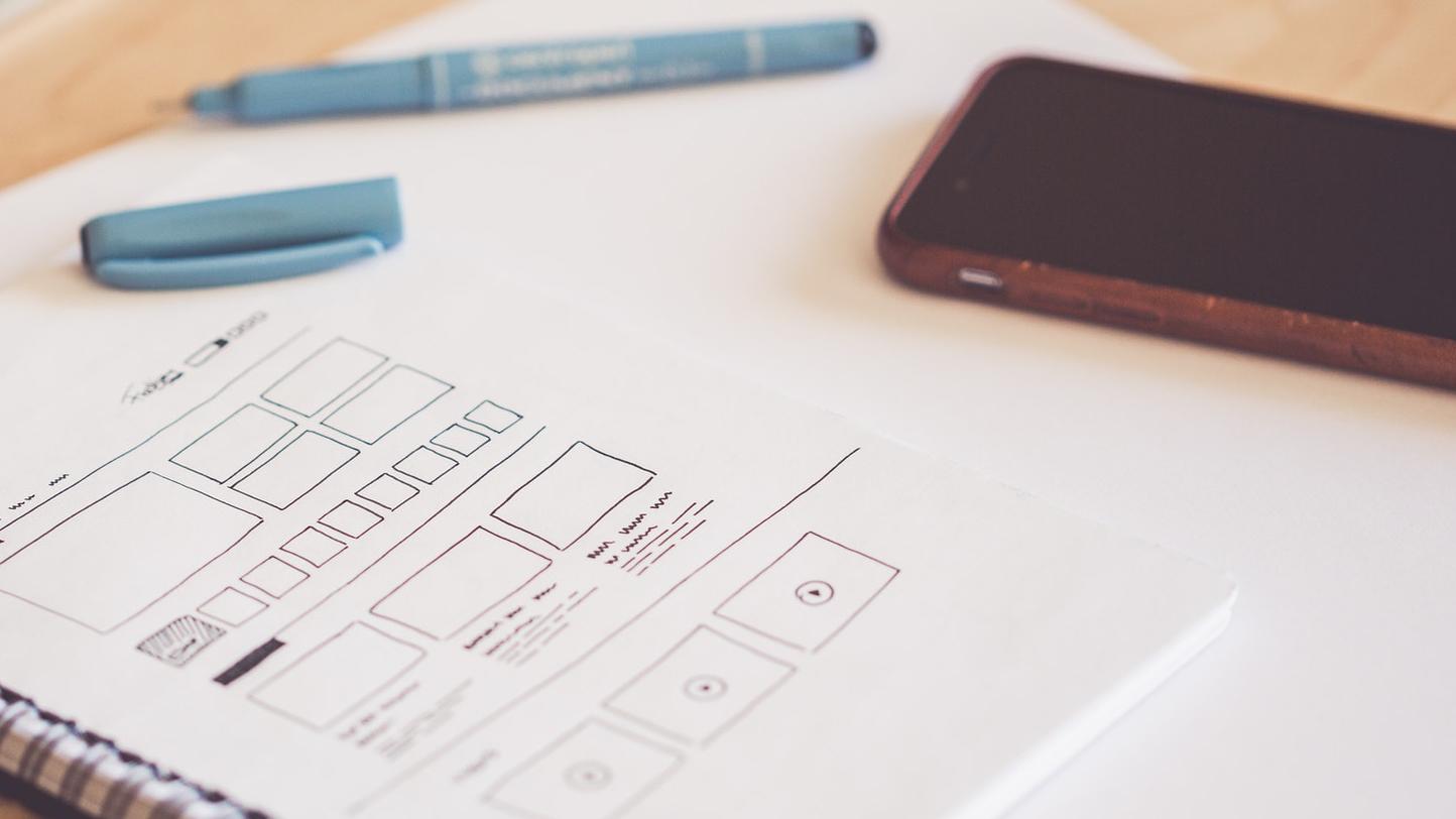 Verkkosivuston visuaalinen ja käyttöliittymäsuunnittelu (kuvituskuva)