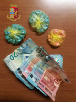 Traffico di stupefacenti nel centro storico: arrestato spacciatore e sequestrate 85 dosi di cocaina