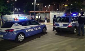 'Copre' l'amico responsabile di un'aggressione ed aggredisce a sua volta i poliziotti: arrestata