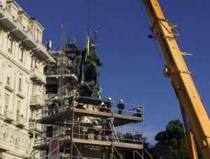 Torna agli antichi splendori la statua del Duca di Galliera