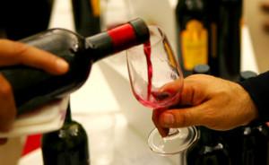 'Consumano alcolici e diventano molesti': alcoltest agli operai Fincantieri?