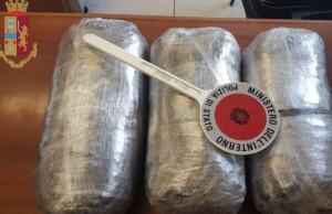 Tre chili di cocaina nel furgone, 2 arresti
