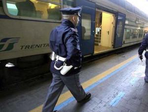 Poliziotto fuori servizio sventa furto a bordo treno