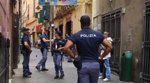 Litiga con la moglie e aggredisce i poliziotti. Arrestato