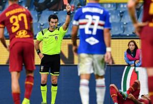 Fumogeni contro ultrà Roma, tifosi Samp denunciati