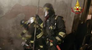 Sampierdarena, a fuoco un appartamento al quarto piano di un palazzo