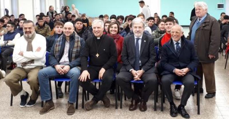 Il sindaco Bucci ha consegnato attestati di cittadinanza attiva a ragazzi del Don Bosco