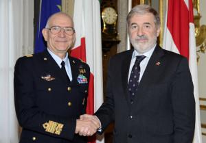 Il sindaco Bucci incontra il capo di Stato Maggiore dell'Aeronautica Rosso
