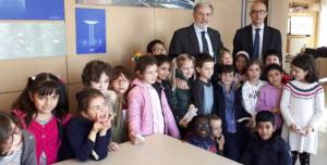 Genova, il sindaco Marco Bucci e la classe II B della Daneo